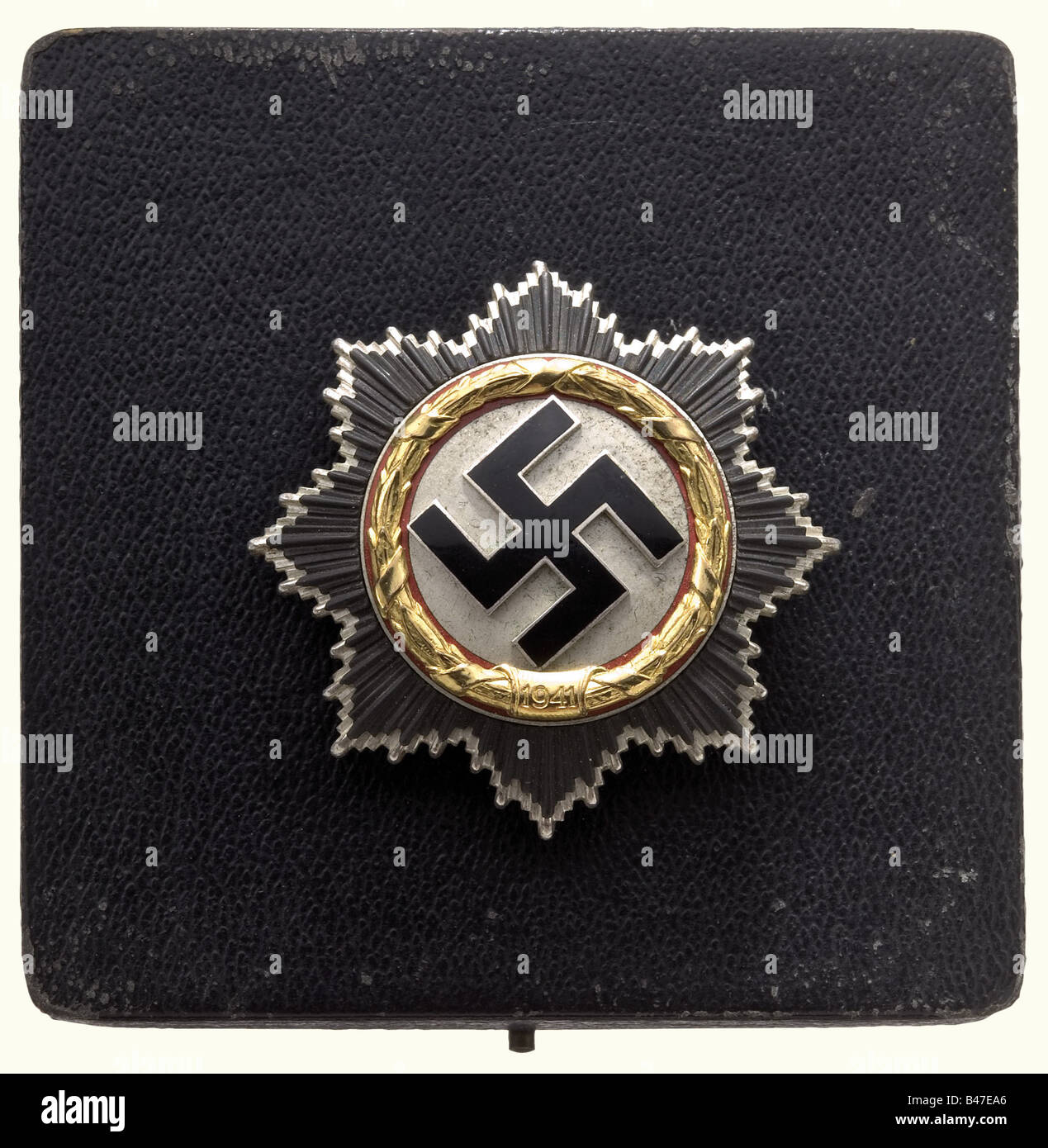 Max Wünsche - the German Cross in Gold., The heavy six-fold riveted version with the long pin. No manufacturer´s - Stock Image