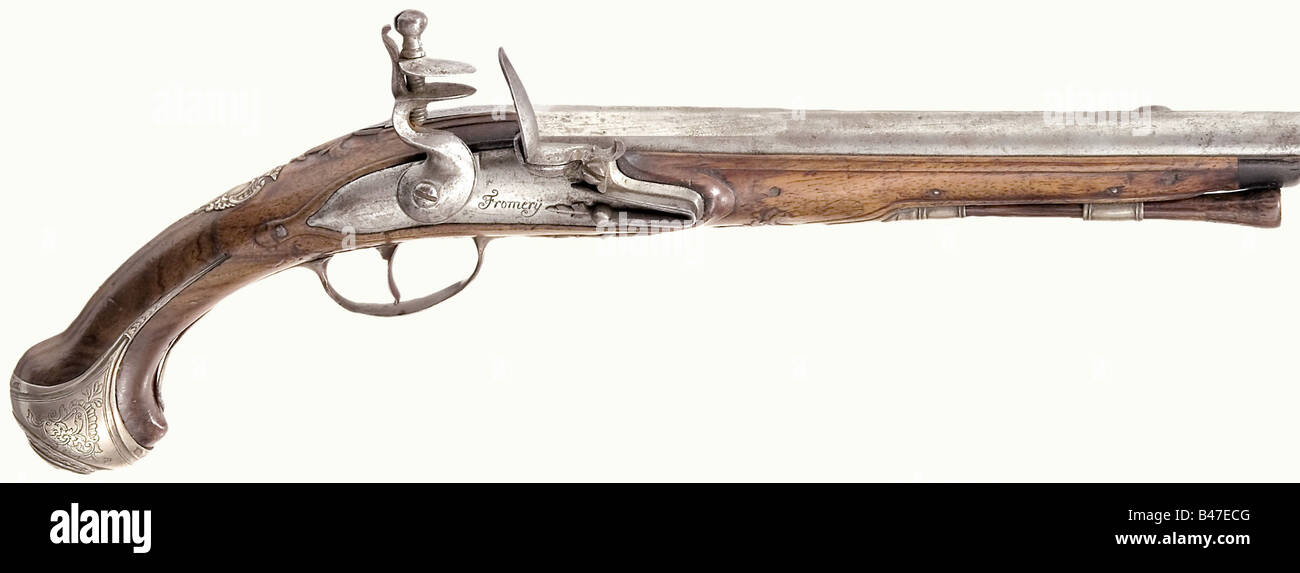 A flintlock pistol, Fromery, Berlin, circa 1720. Octagonal barrel merging to round, with 'Lazaro Lazarino' - Stock Image