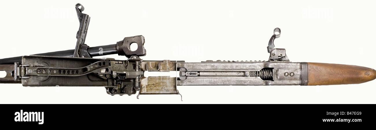 A light machine gun 42, 'MG 42', calibre 8 x 57, no. 4865c. Mirrorlike bore. Housing coded 'dfb/12' - Stock Image