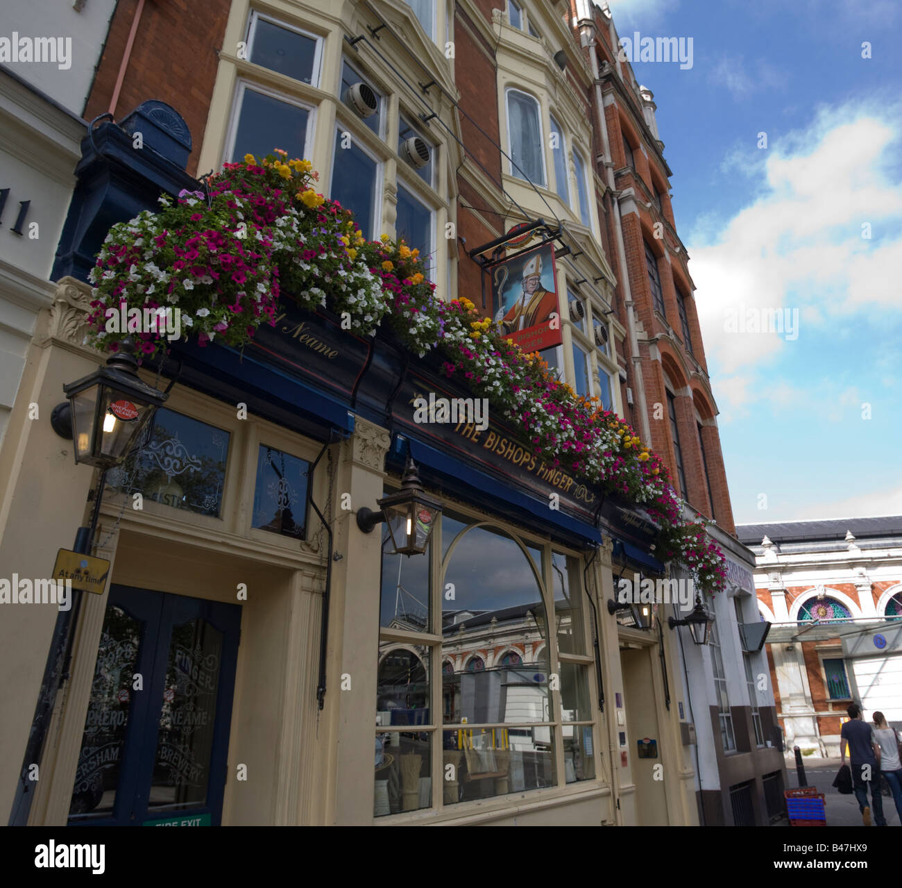 The Bishops Finger Public House in West Smithfield London GB UK - Stock Image