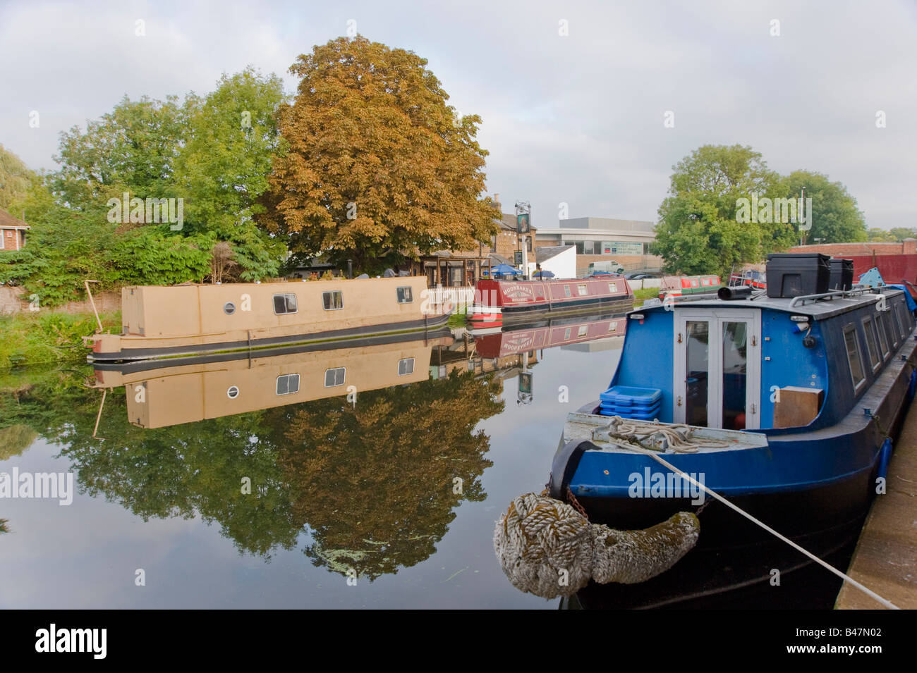 House boats on the grand union canal Uxbridge Hillingdon England UK Stock Photo