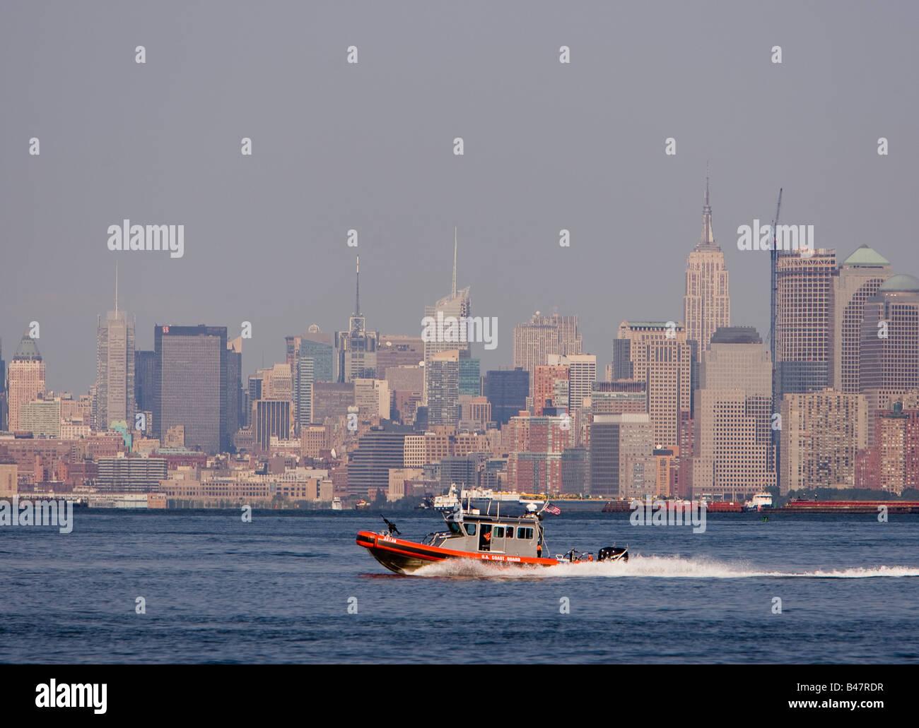 US Coast Guard patrolling New York Harbor - Stock Image