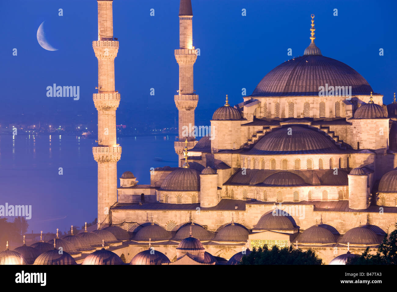 Crescent moon over Sultan Ahmed Mosque Blue Mosque Turkey Istanbul - Stock Image