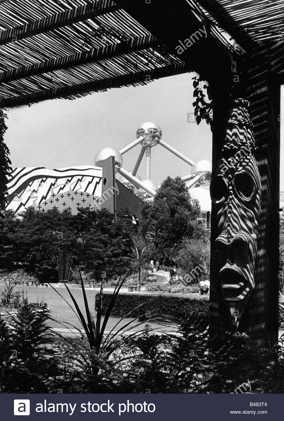 exhibition, world exposition, garden of orchids, Atomium, Brussels, Belgium, 1958, Artist's Copyright must also - Stock Image