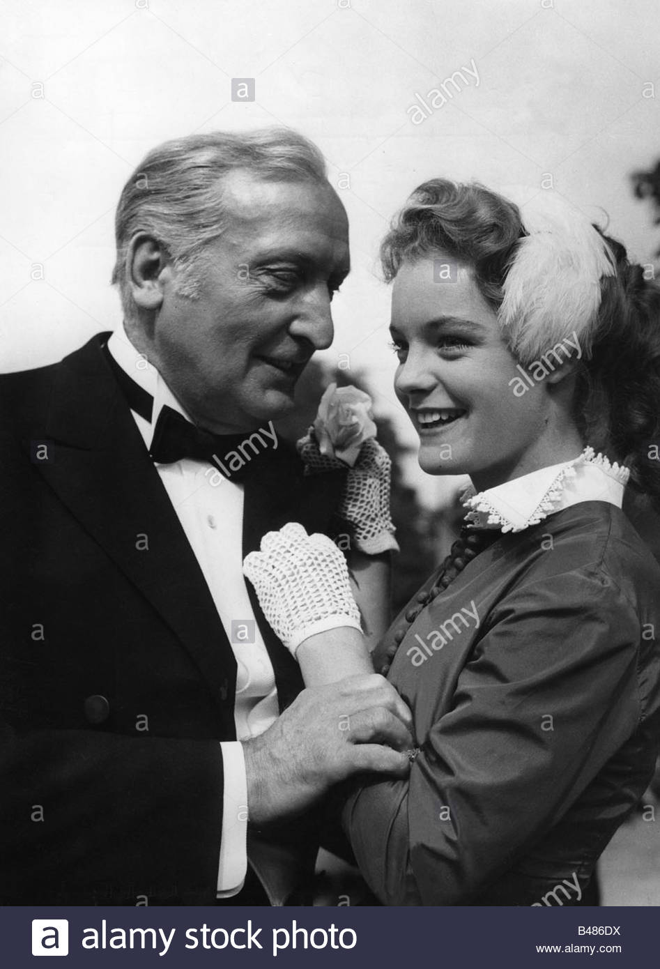 Schneider, Romy, 23.9.1938 - 29.5.1982, German actress, half length, with Hans Albers, scene from the movie 'The - Stock Image