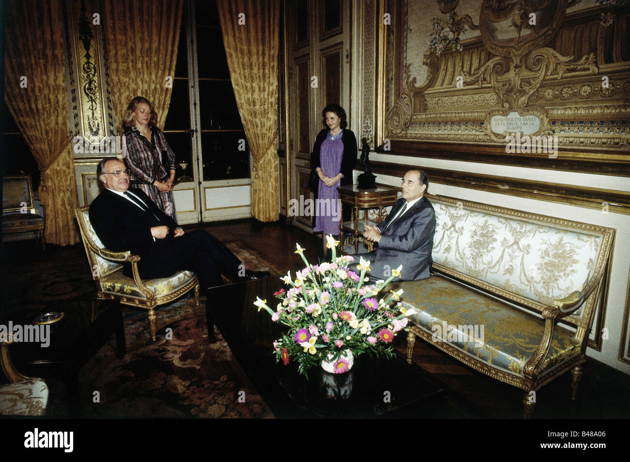 Kohl, Helmut, * 3.4.1930, German politician (CDU), chancellor of Germany 1982 - 1998, half length, with Francois - Stock Image