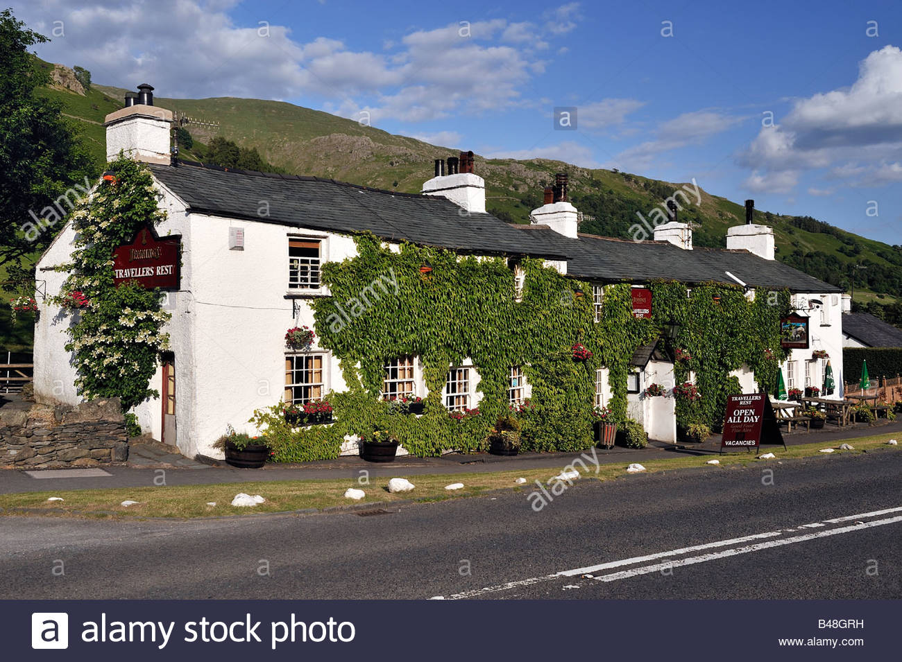 A typical English Lakeland pub close to Grasmere - Stock Image
