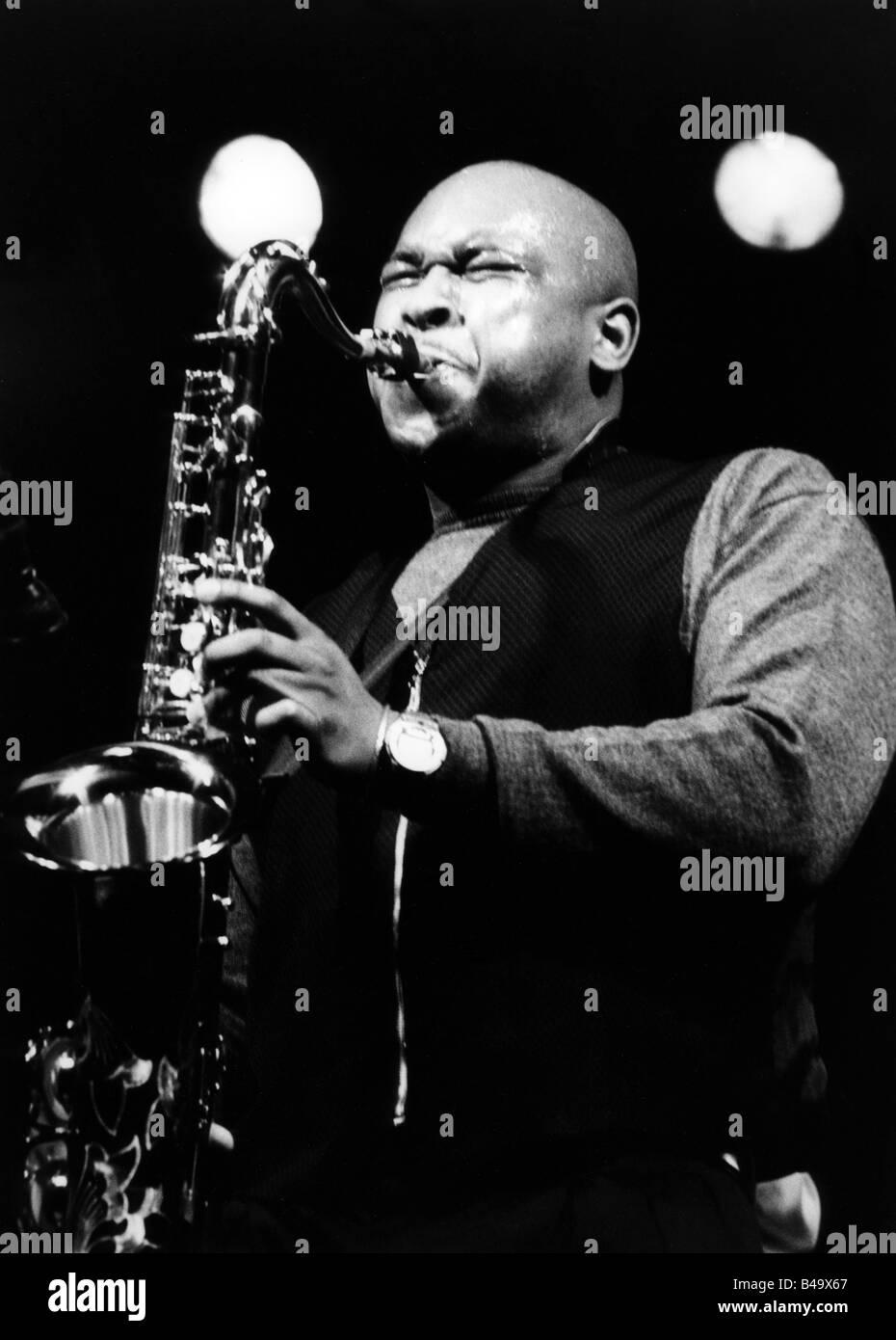 Burton, Abraham, American musician (Jazz), half length, with tenorsaxophone, live performance, Mannheim, March 1998, - Stock Image