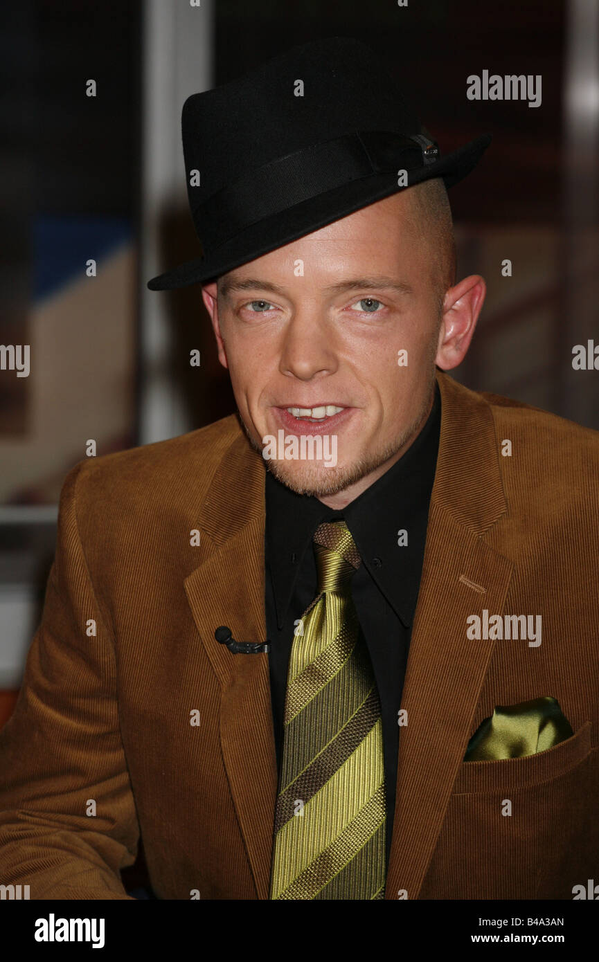 Delay, Jan, * 1976, German singer, portrait, guest at TV show 'Johannes B. Kerner', Hamburg, 8.11.2006, - Stock Image