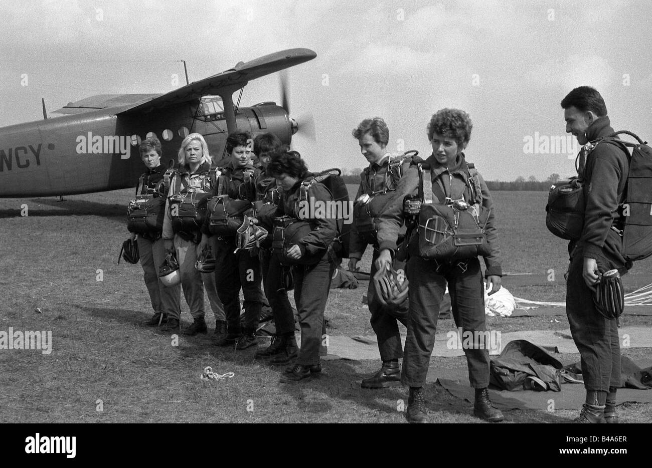 sports, prachuting, parachutists at an airfield, German Democratic Republik, 1964, Additional-Rights-Clearances - Stock Image