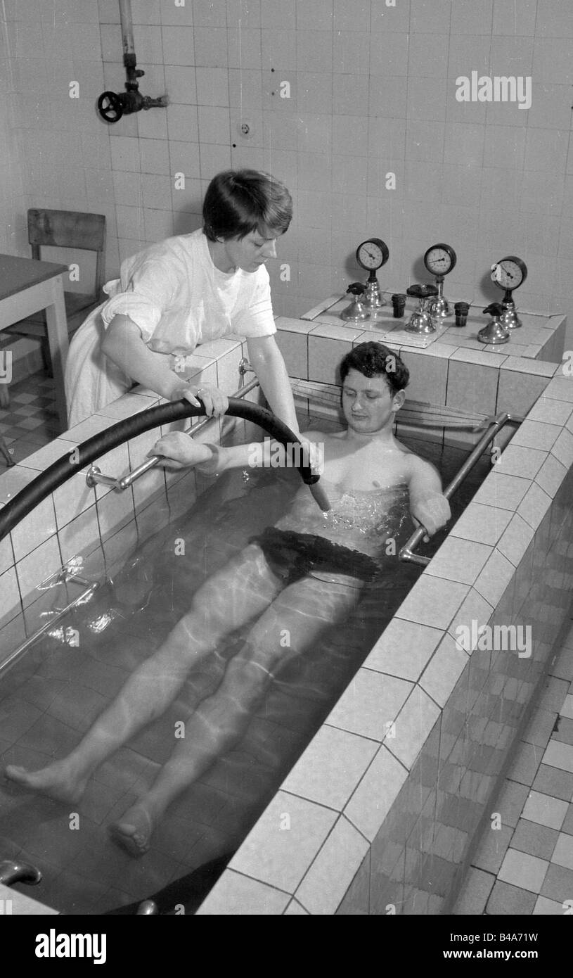 medicine, treatment, therapeutic baths, water cure, Bad Suderode, German Democratic Republic, 1962, Additional-Rights - Stock Image