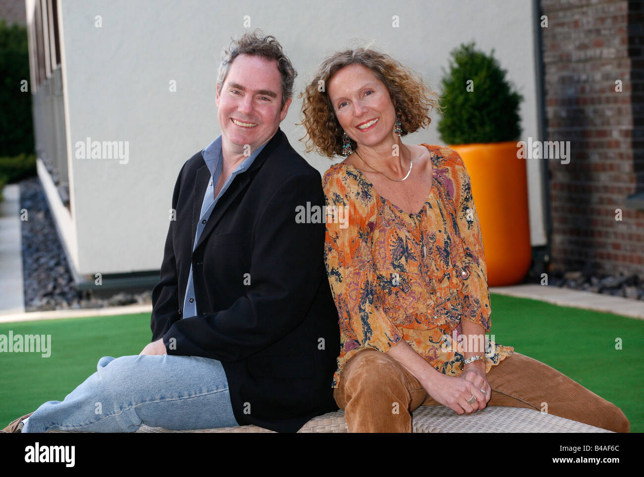 Melnyk, Debbie, director, half length, with director Rick Caine, photo call to the movie 'Manufactoring Dissent', - Stock Image