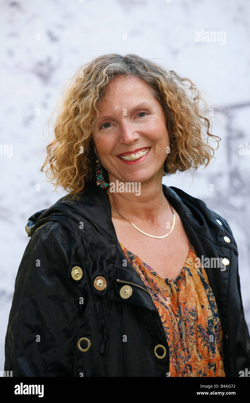 Melnyk, Debbie, director, portrait, with director Rick Caine, photo call to the movie 'Manufactoring Dissent', - Stock Image