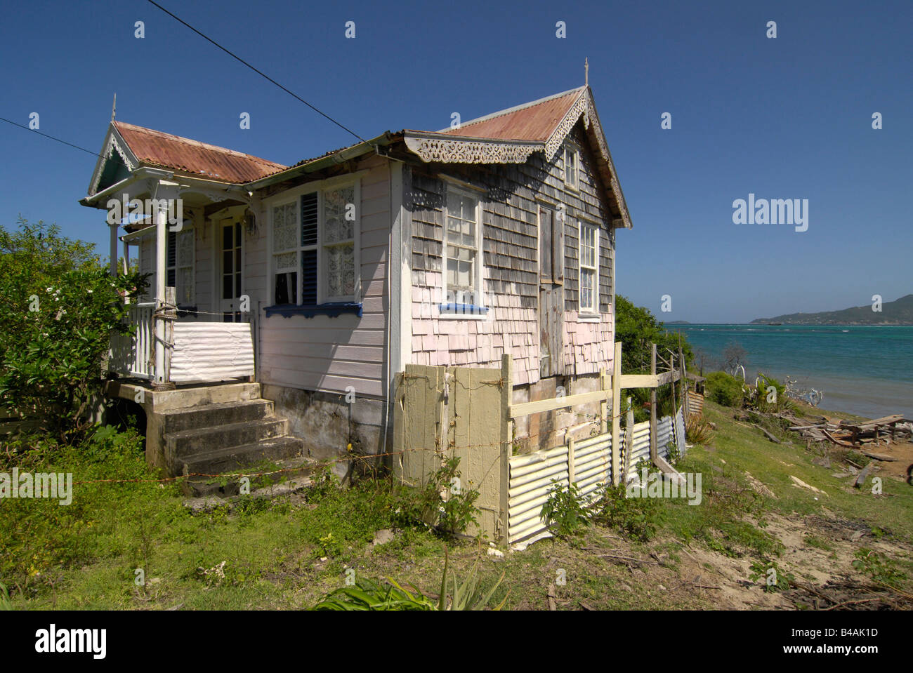 architecture, buildings, Grenada, traditional house on Carriacou, exterior view, Additional-Rights-Clearance-Info - Stock Image