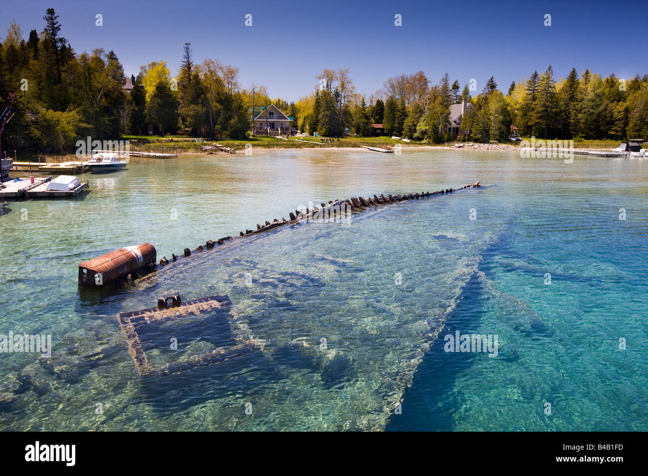 Shipwreck of the ship Sweepstakes (built in 1867) in Big Tub Harbour ...