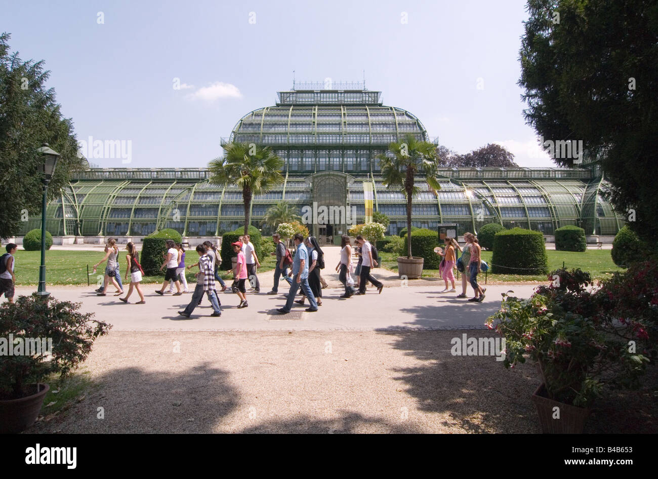 Palm house at Park Schloss Schönbrunn in Vienna Austria - Stock Image