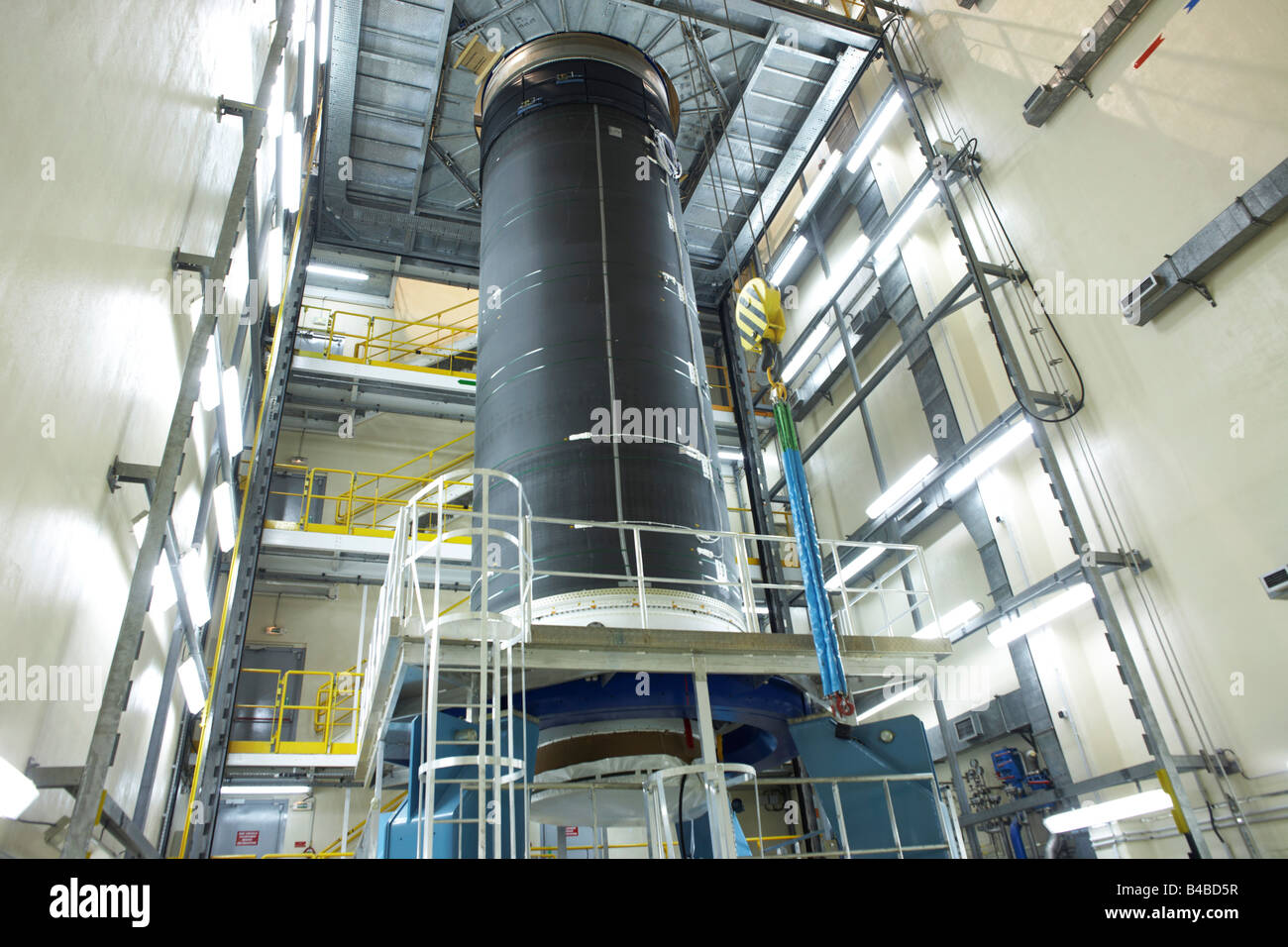 An Ariane 5 rocket in Europropulsion's Booster Integration Building at the European Space Agency's Kourou - Stock Image
