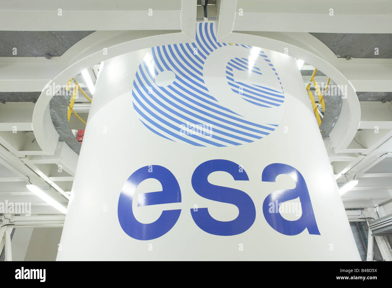 An Ariane 5 rocket booster in Europropulsion's Booster Integration Building at the European Space Agency spaceport - Stock Image