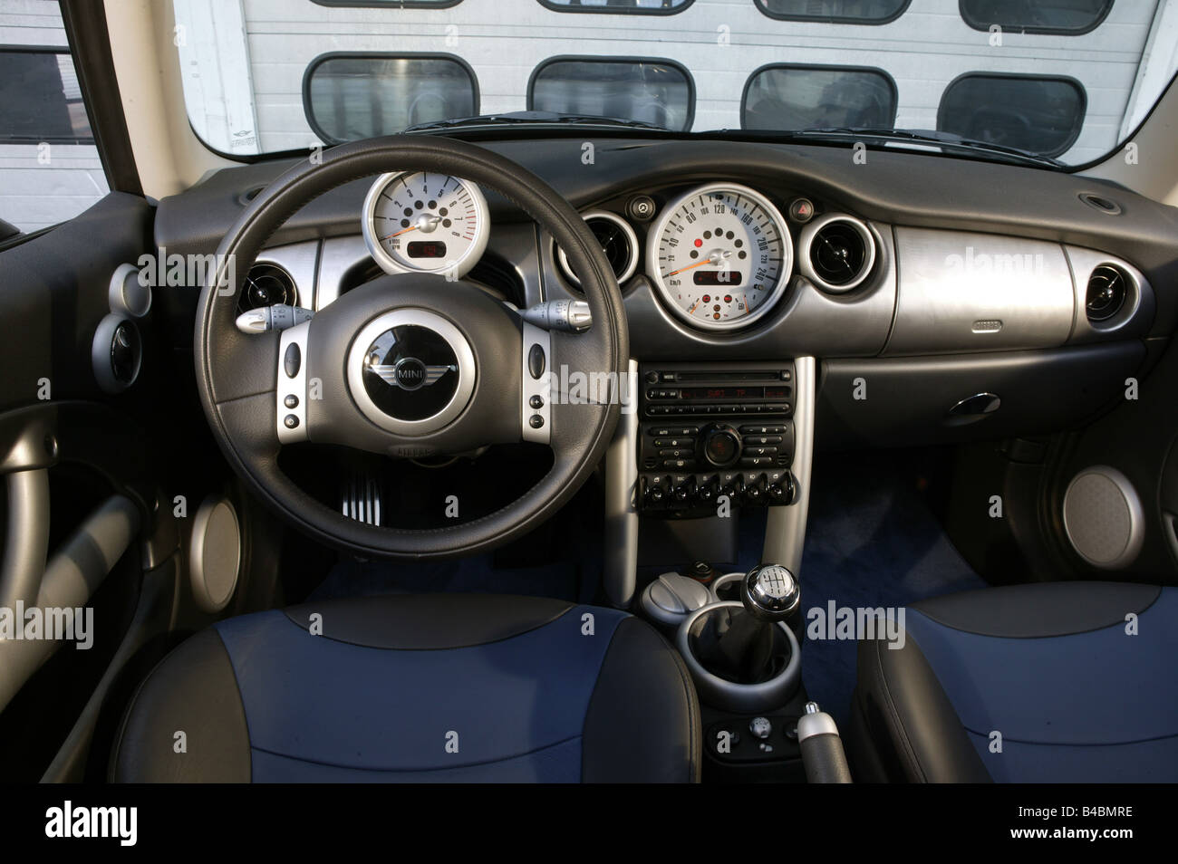 Car, BMW Mini Cooper S, Miniapprox.s, Limousine, model year 2002 ...