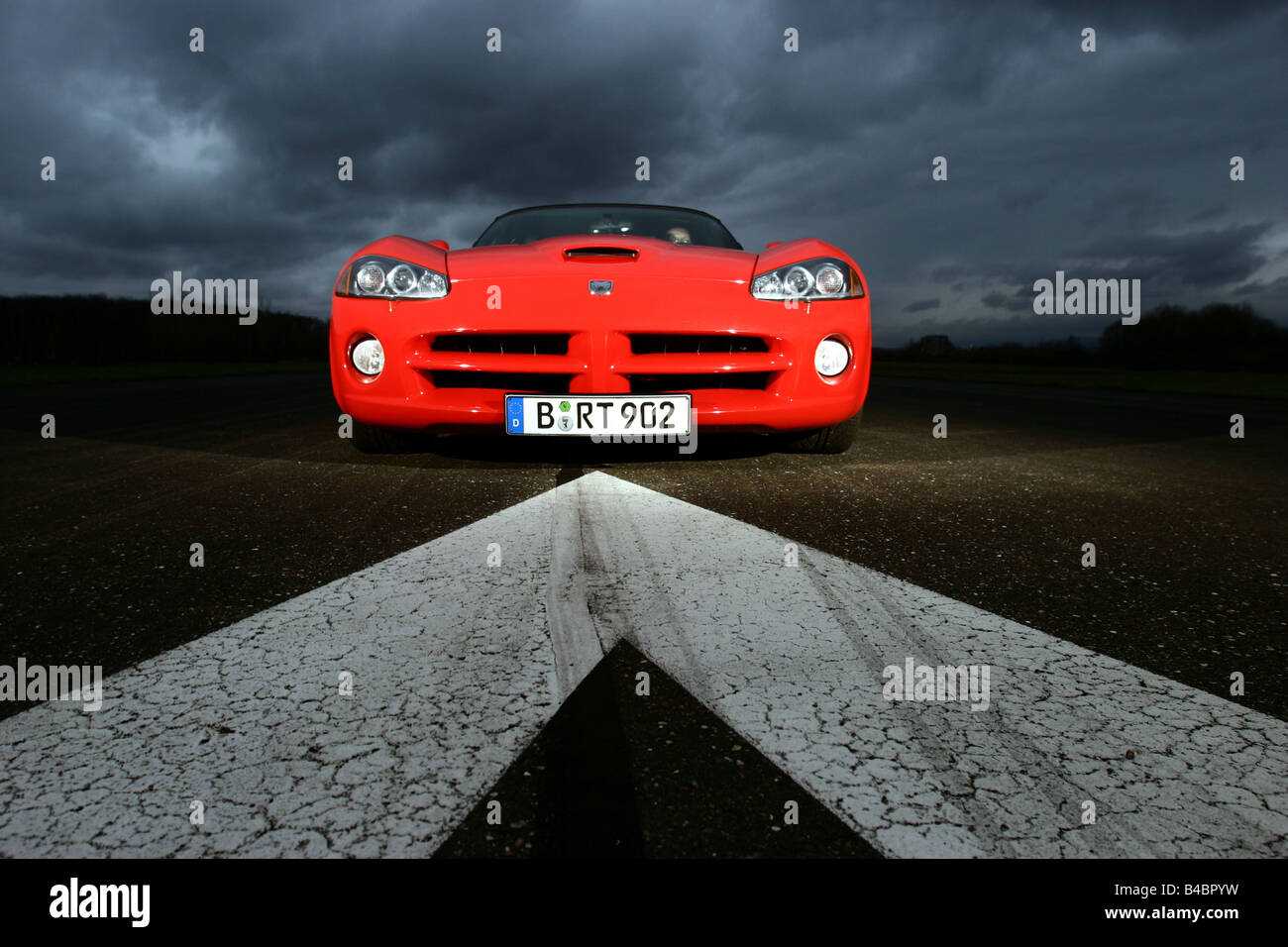 Car, Dodge Viper SRT-10, Convertible, model year 2003-, red, FGHDS, standing, upholding, frontal view, Test track - Stock Image