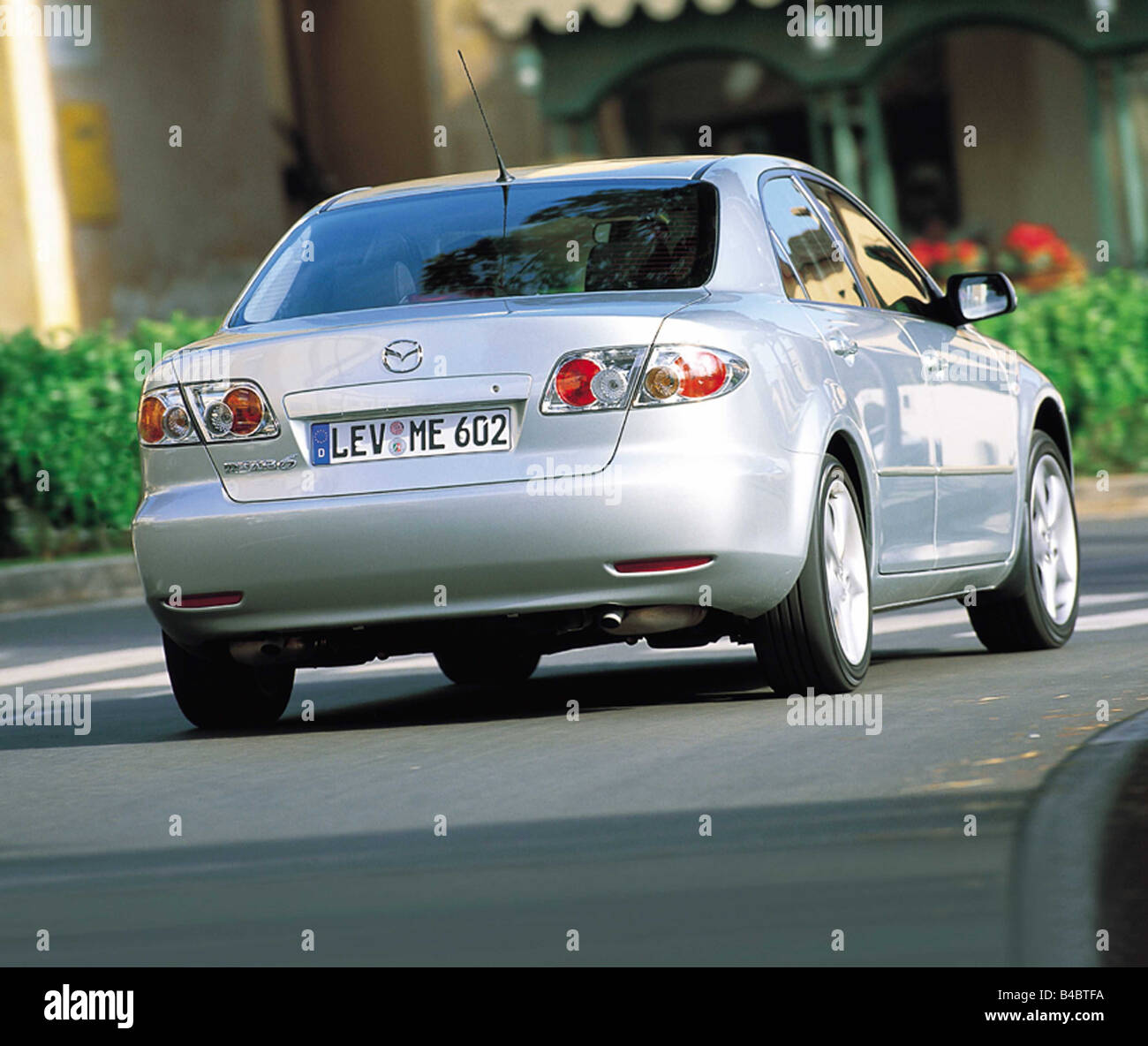 Kelebihan Mazda 6 2002 Review