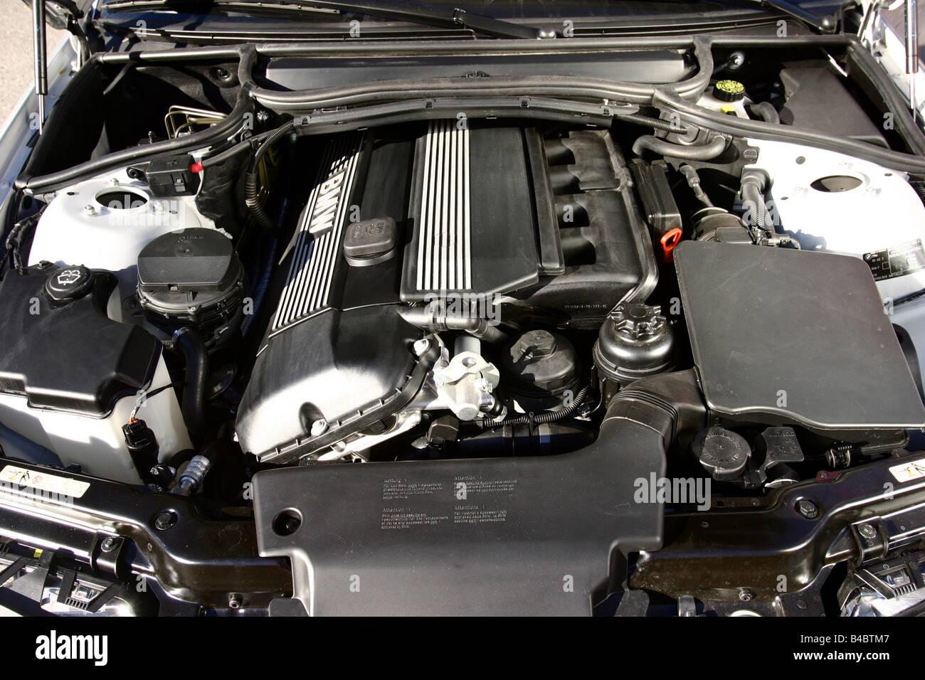 Car, BMW 330 Xi, medium class, silver, model year 2004-, view in ...