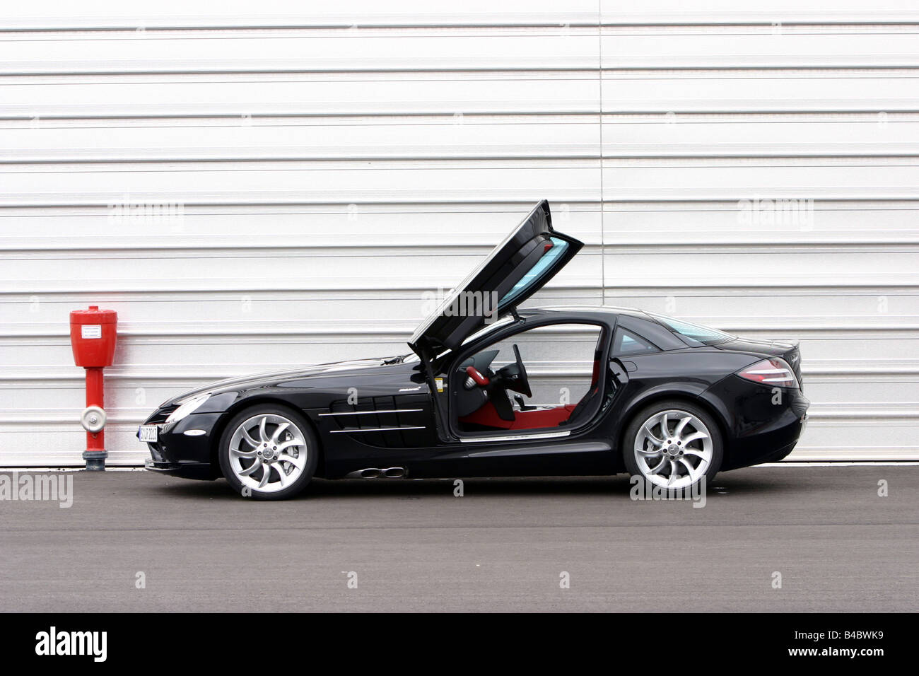 Mercedes Mclaren Slr 2003 Stock Photos Mercedes Mclaren Slr 2003
