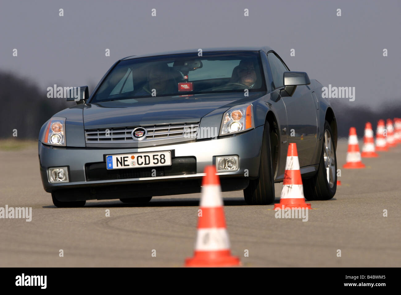 Xlr Stock Photos Images Page 3 Alamy Cadillac Wiring Diagram Car Convertible Model Year 2004 Anthracite Closed Top