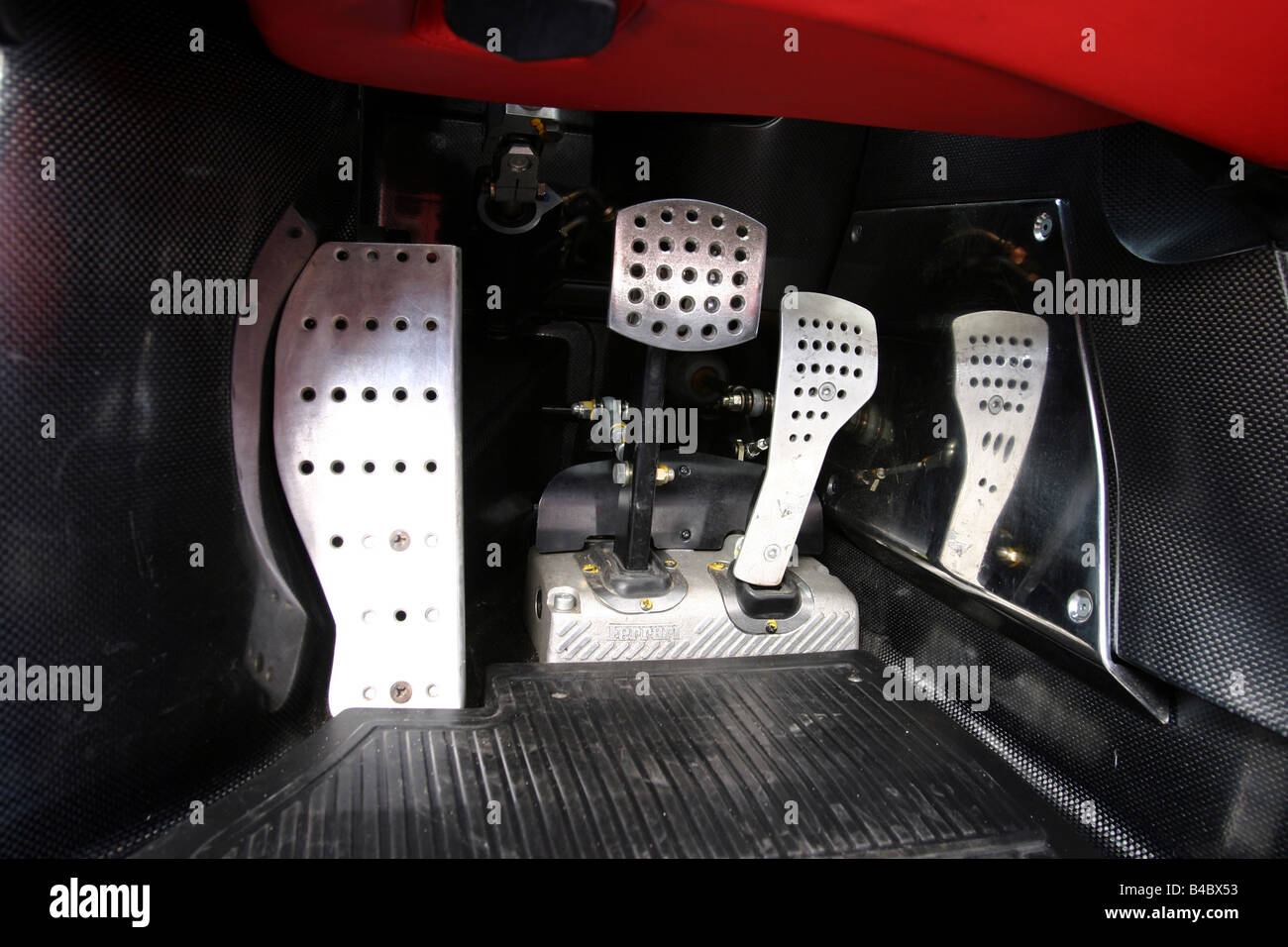 Car, Ferrari Enzo Ferrari, roadster, model year 2002-, Coupe/coupe, red, Detailed view, Interior view, Pedals, technique/accesso - Stock Image