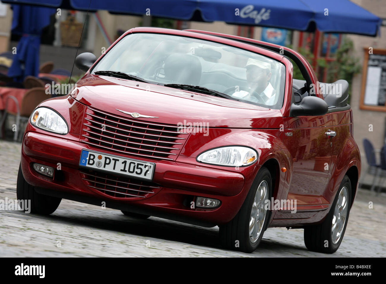 car chrysler pt cruiser convertible 2 4 limited cabrio. Black Bedroom Furniture Sets. Home Design Ideas