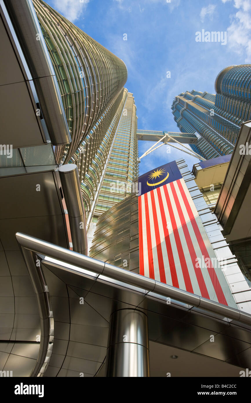 Asia, Malaysia, Selangor State, Kuala Lumpur, Petronas Towers 88 storey steel clad twin towers with a height of - Stock Image