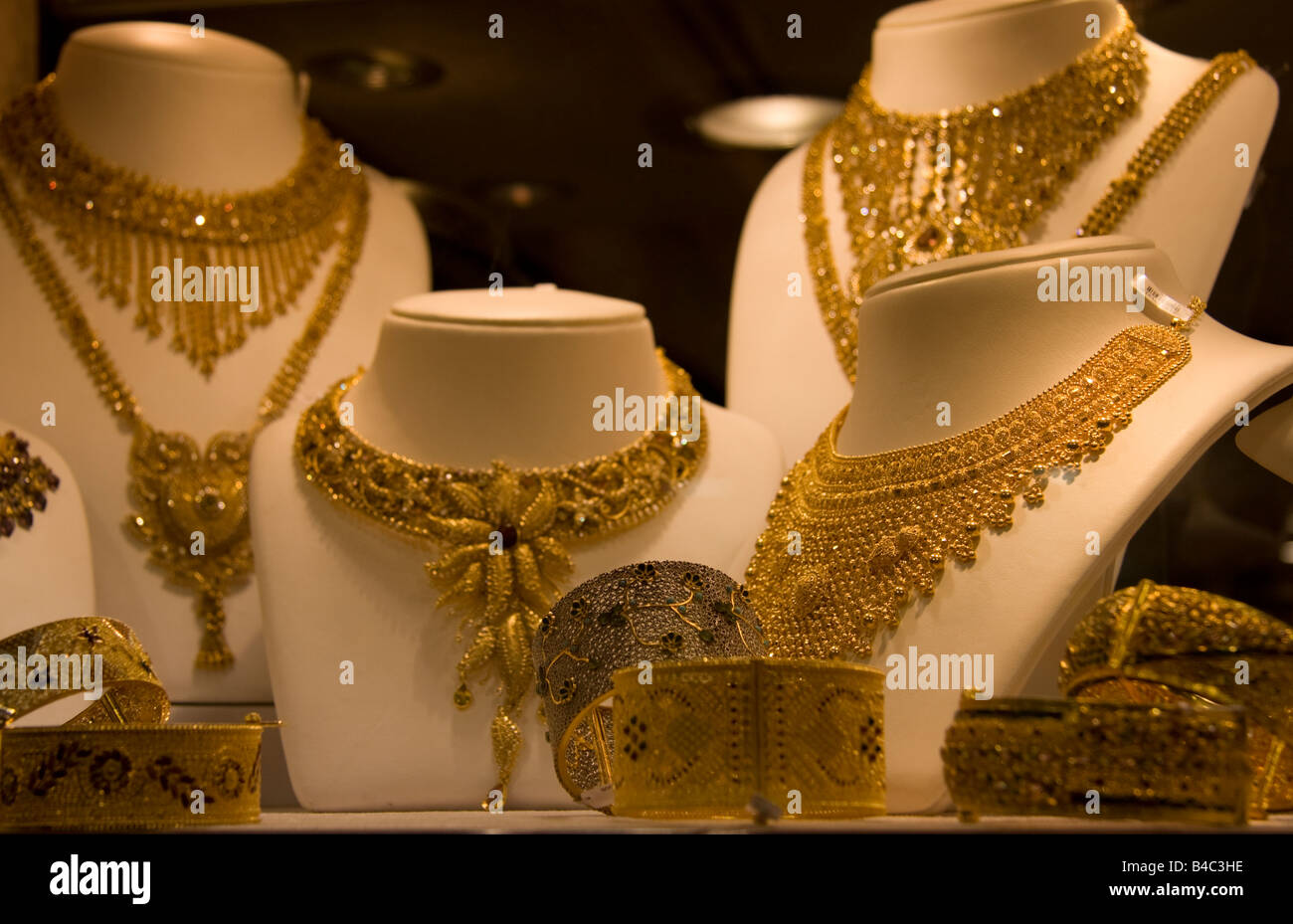 Gold jewelry in the souk in Dubai - Stock Image