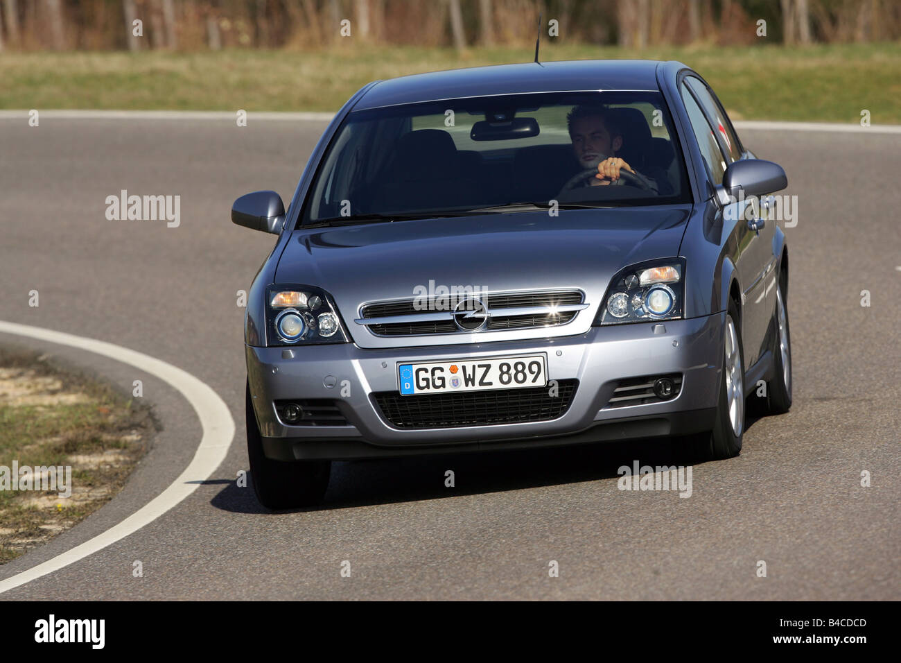 Car, Opel Vectra 2.2 direct, model year 2005-, silver, Limousine, medium class, driving, diagonal from the front, - Stock Image
