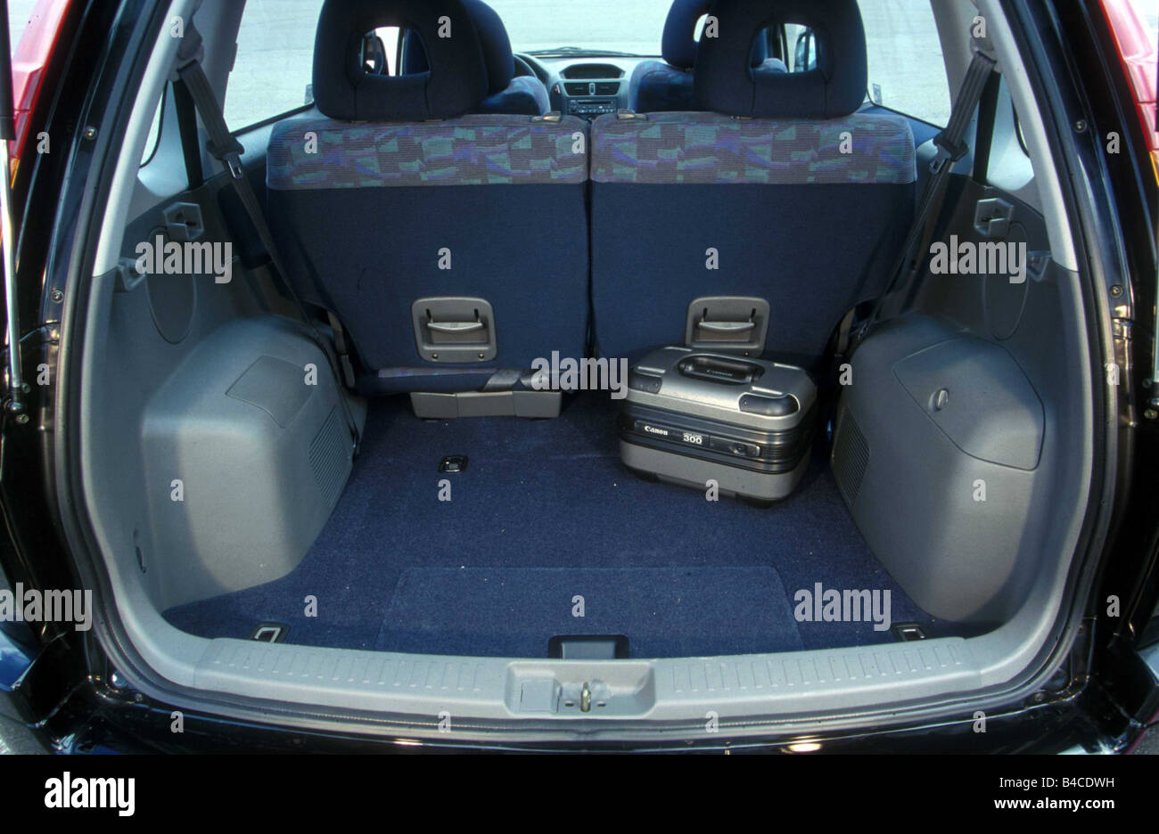 Car, Mitsubishi Space Runner, Van, model year 1999-, black