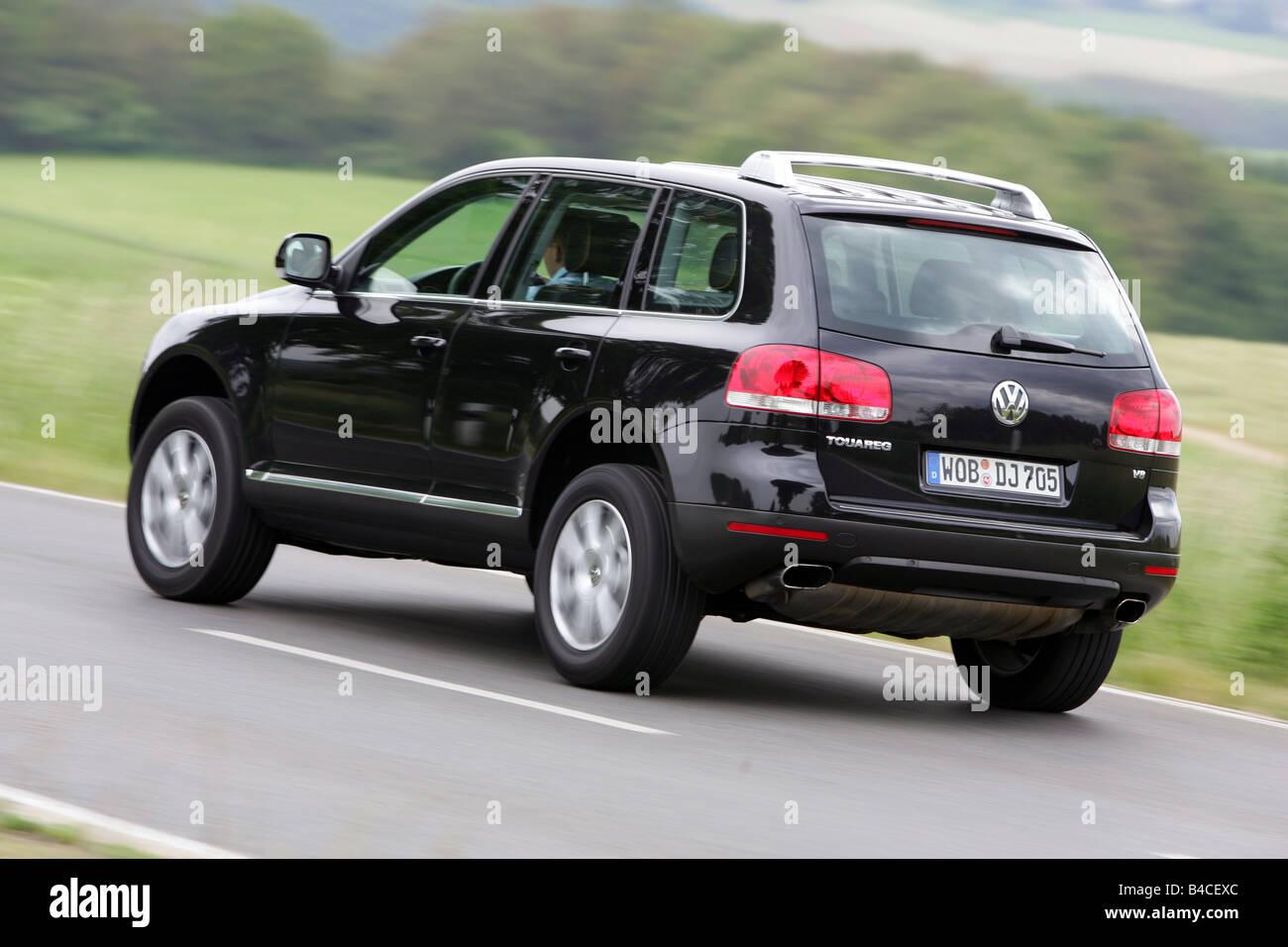 car, vw volkswagen touareg v8, black, model year 2005-, driving