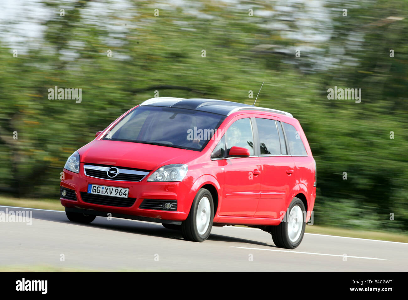 opel zafira stock photos opel zafira stock images alamy. Black Bedroom Furniture Sets. Home Design Ideas