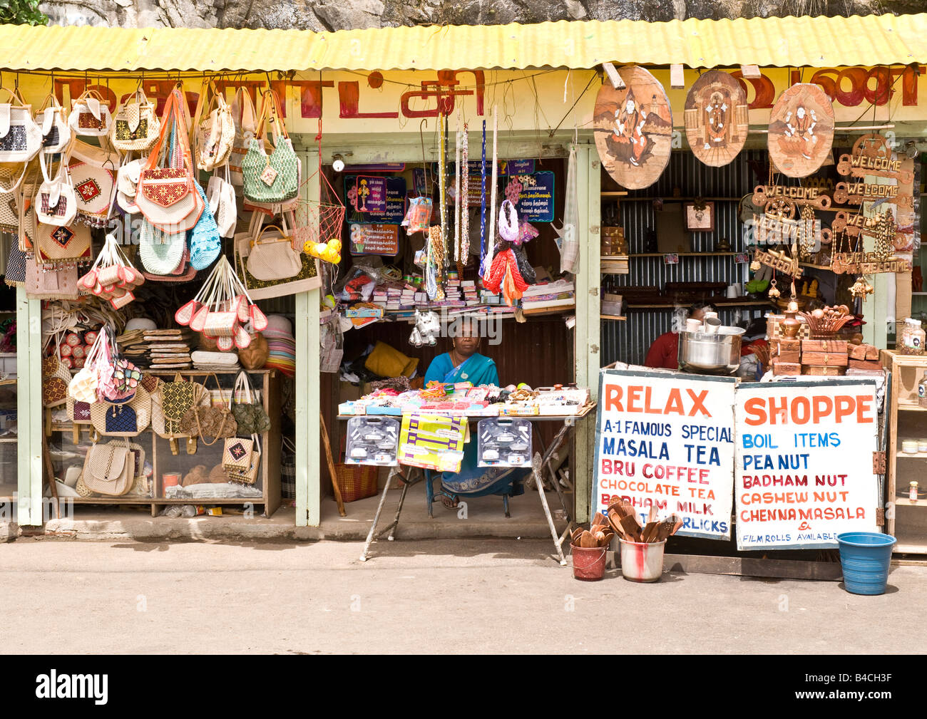 Roadside market stall on the mountains of Kodaikanal at a famous tourist's view-point selling normal local goods Stock Photo