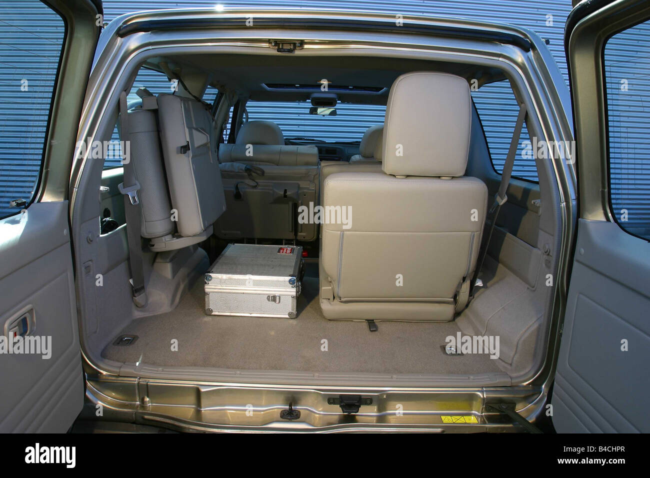 Car, Nissan Patrol, cross country vehicle, model year 1997-, silver-beige, fawn, view into boot, technique/accessory, - Stock Image