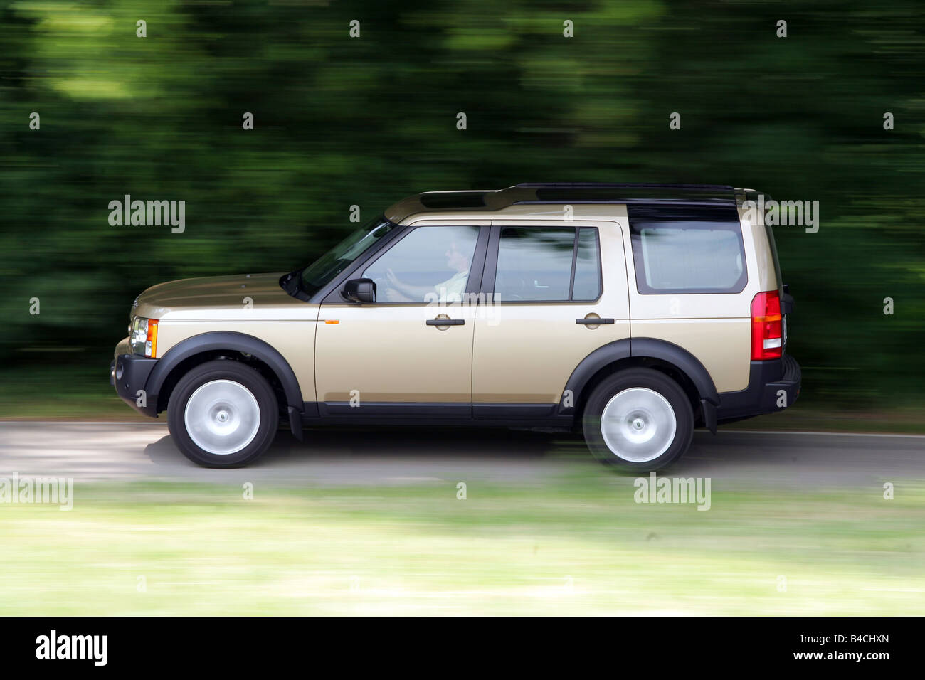 landrover discovery wallpaperup suv uk spec wallpaper land rover