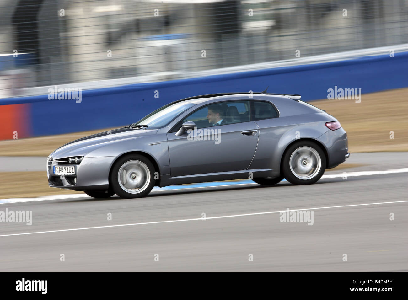 alfa romeo brera stock photos & alfa romeo brera stock images - alamy