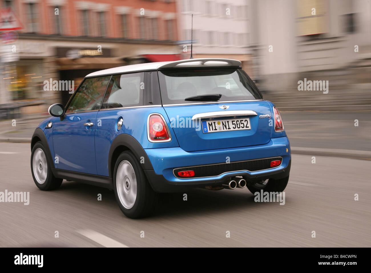 mini cooper 2006 blue