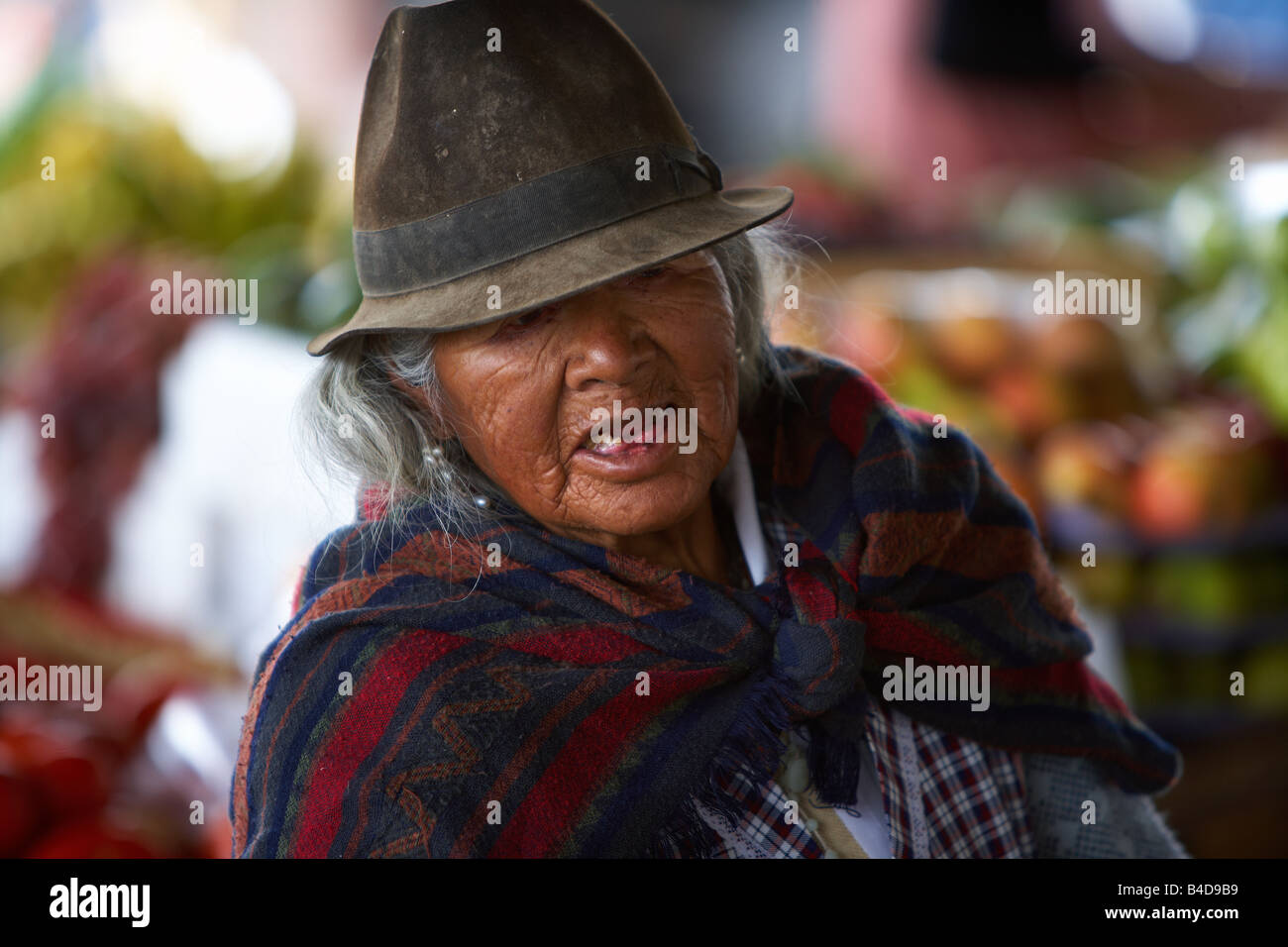 Elderly woman, Saquisili Market, Andes Mountains, Ecuador - Stock Image