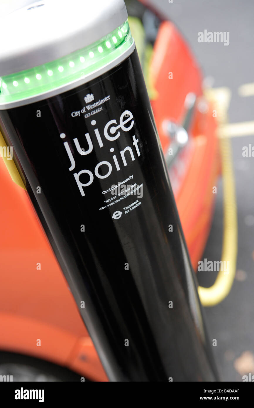 Juice Point, electric vehicle charging point, Westminster, London - Stock Image