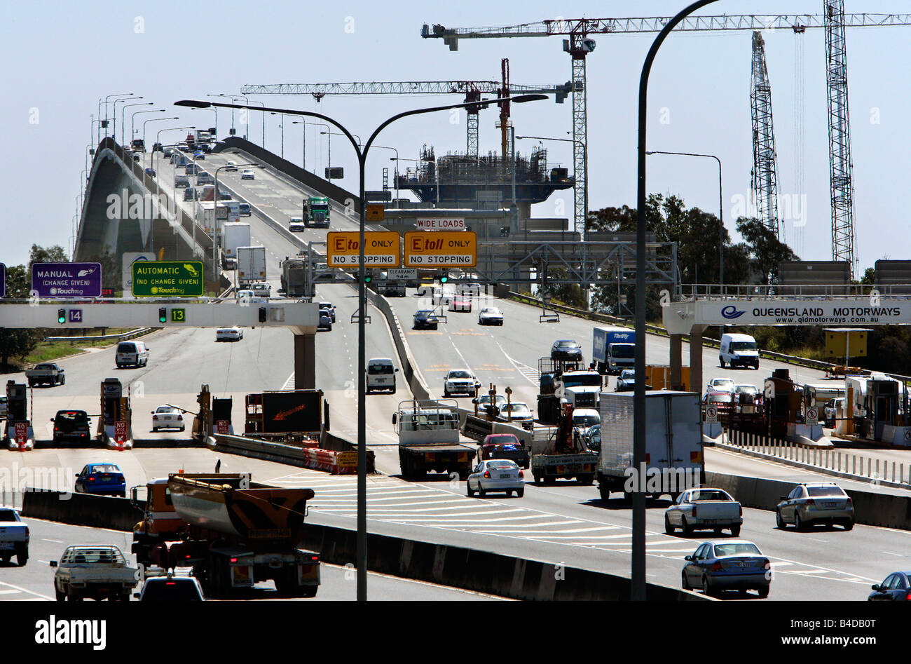 Australia, Brisbane: toll station of the Gateway Bridge, crossing the Brisbane River - Stock Image
