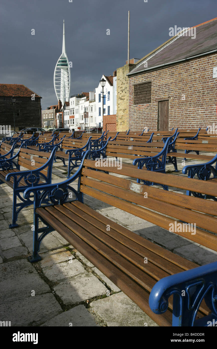City of Portsmouth, England. Public benches at Old Portsmouth with the Spinnaker Tower in the background. - Stock Image