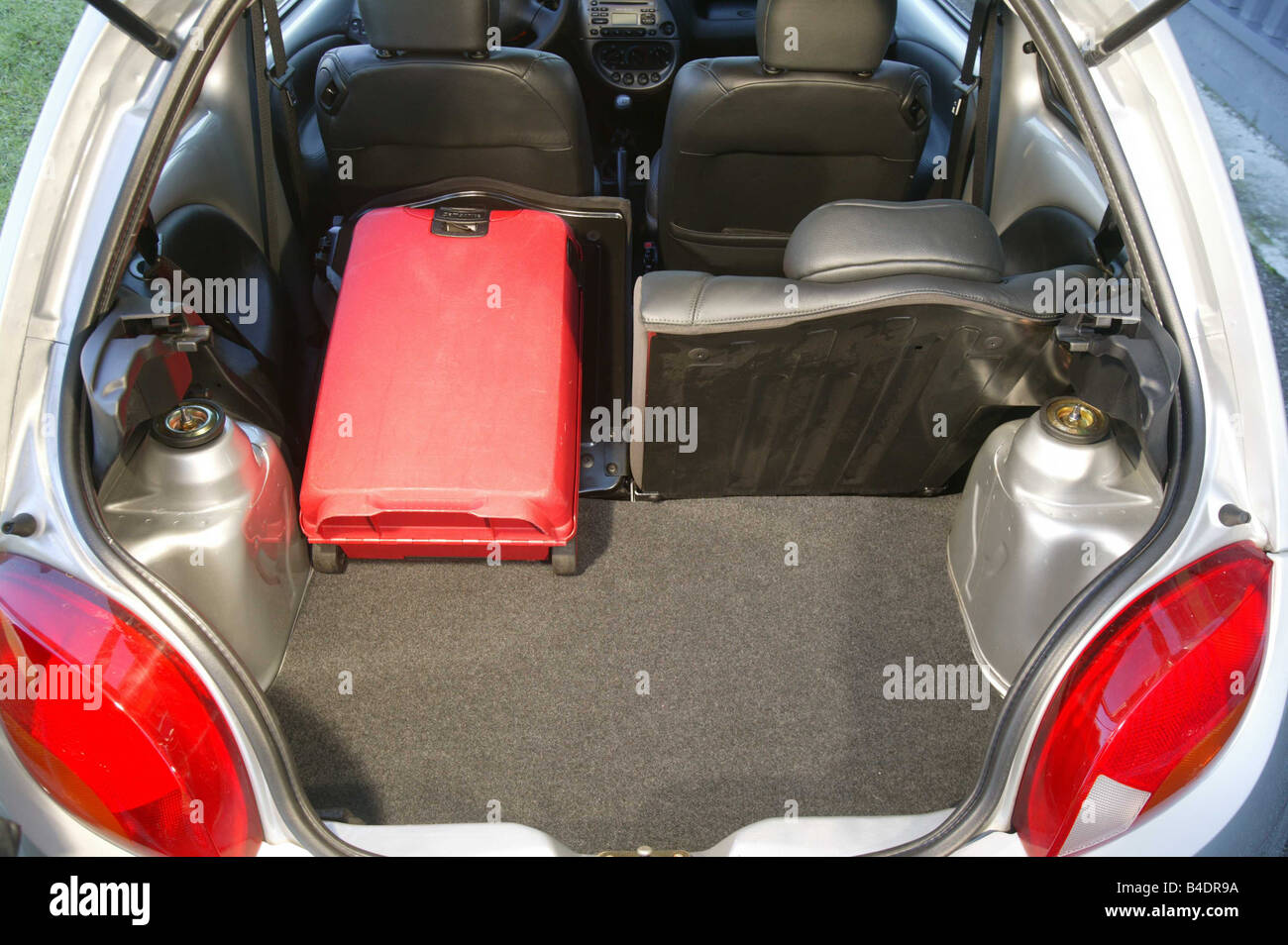 Car Ford Ka Miniapprox S Model Year  Silver