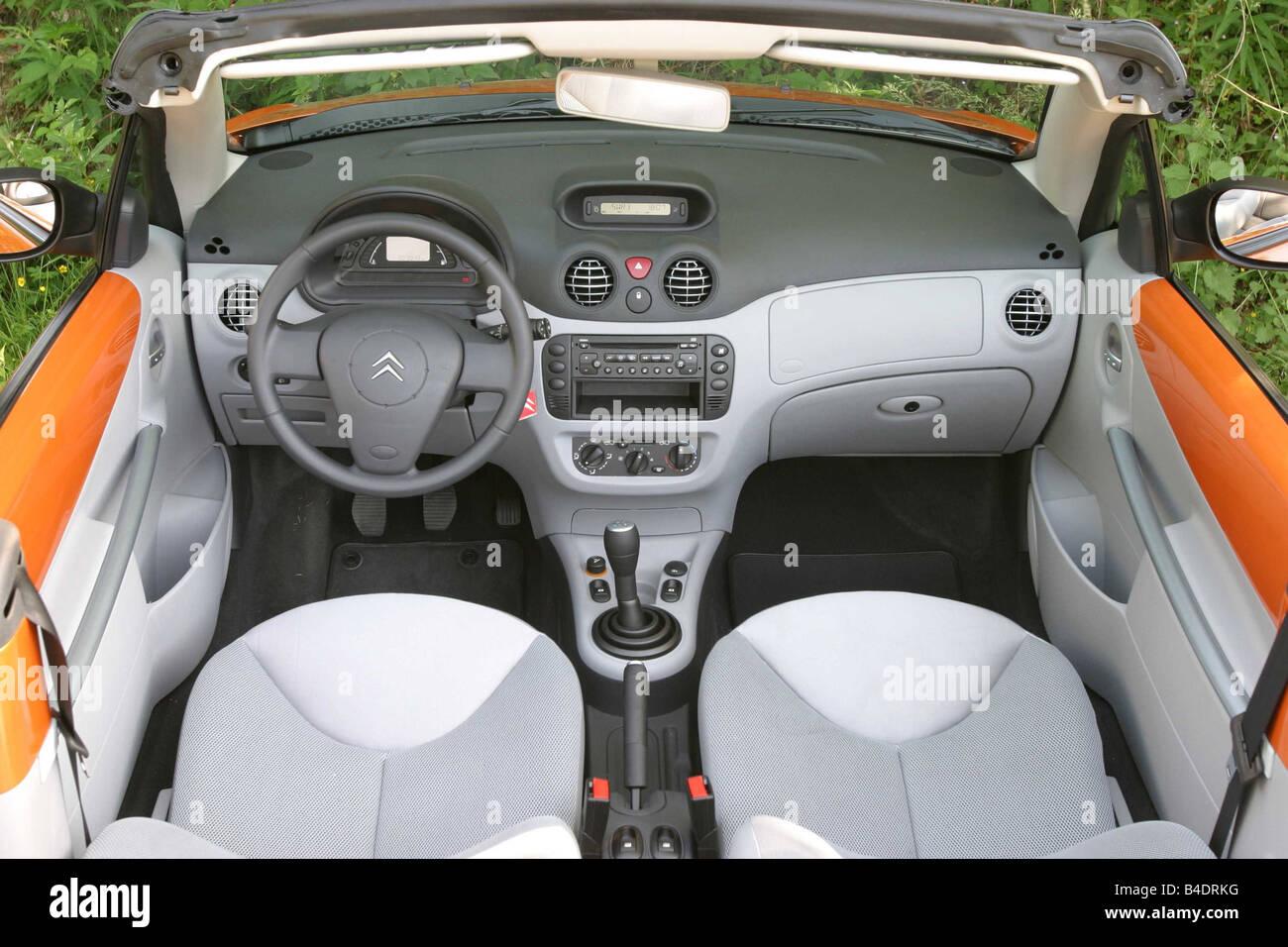 Citroen C3 Pluriel 1 4 Stock Photos & Citroen C3 Pluriel 1 4 Stock