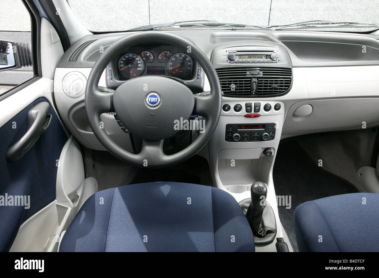 Car, Fiat Punto 1.3 JTD, small approx., Limousine, light Stock Photo ...