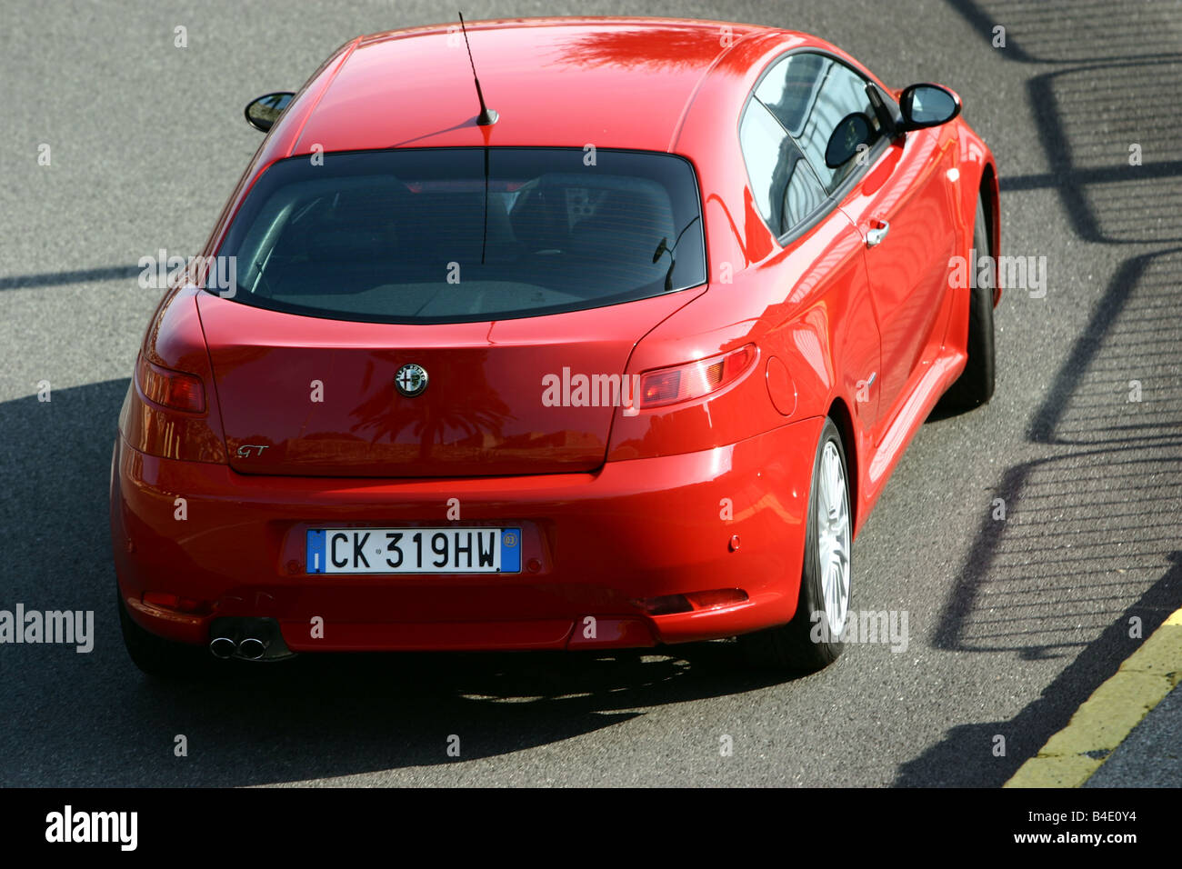 Car Alfa Romeo Gt 3 2 V6 Roadster Coupe Coupe Red Model Year Stock Photo Alamy