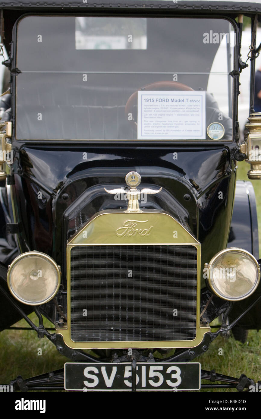 Vintage American car set against a plain background Ford Model T 22 hp 1915 horsepower horse power - Stock Image